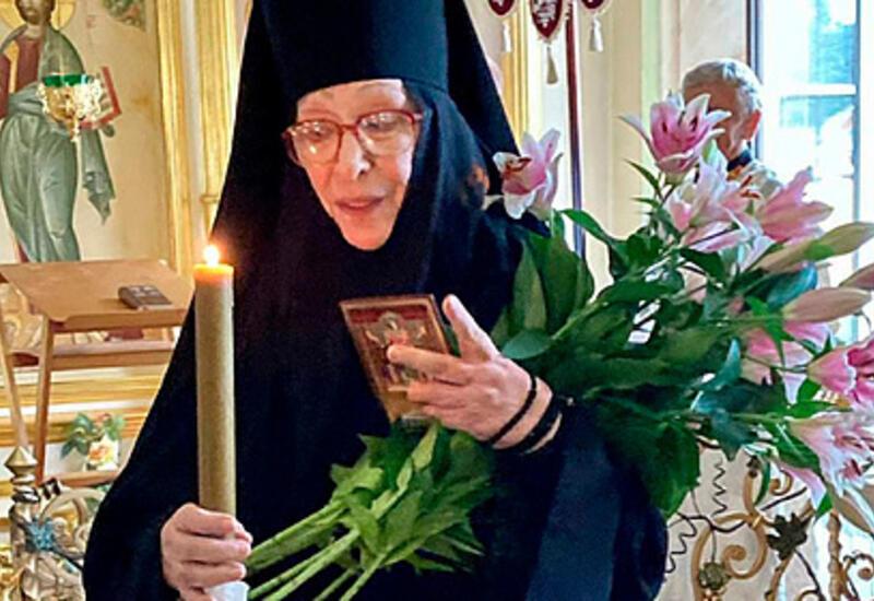 Народная артистка России раскрыла причину ухода в монастырь