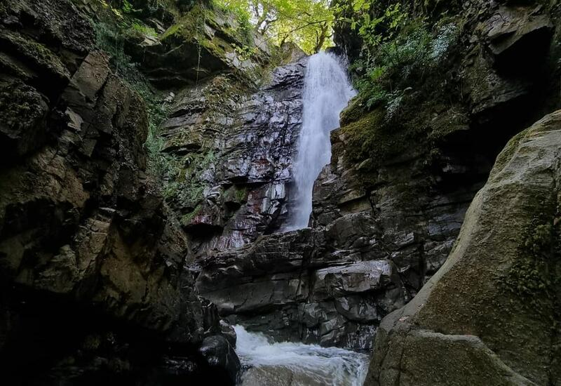 Известный водопад в лерикском селе