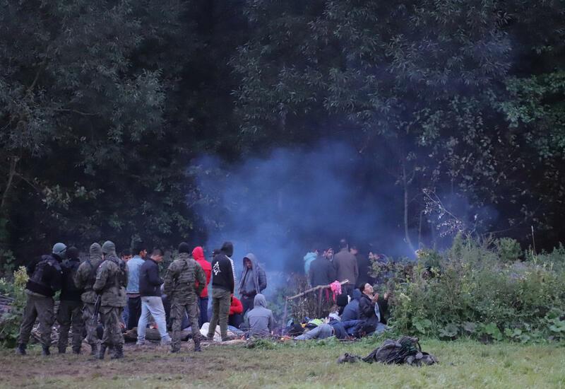 Польские пограничники спасли из болота восьмерых нелегалов