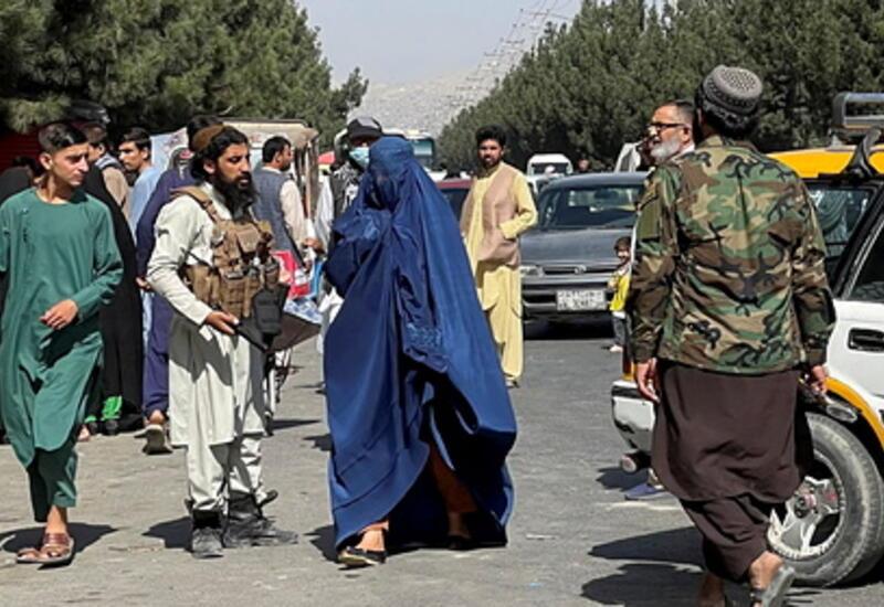Талибы приказали быть дома занятым на «мужских» работах женщинам