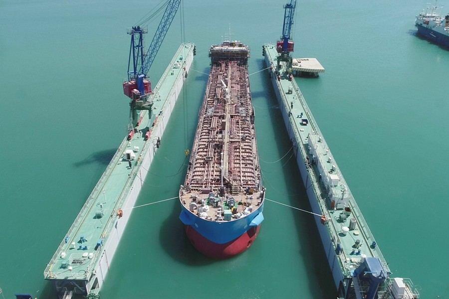 В Азербайджане спущен на воду новый нефтяной танкер