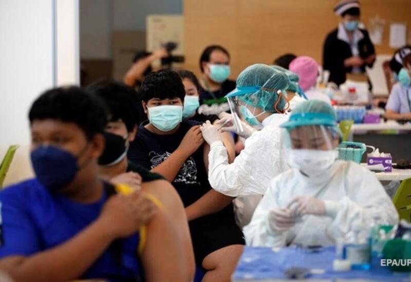 В Таиланде начали колоть COVID-вакцину альтернативным методом