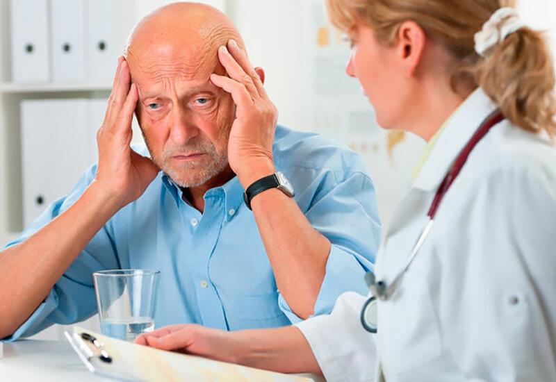 Ученый допустил развитие болезни Альцгеймера после COVID