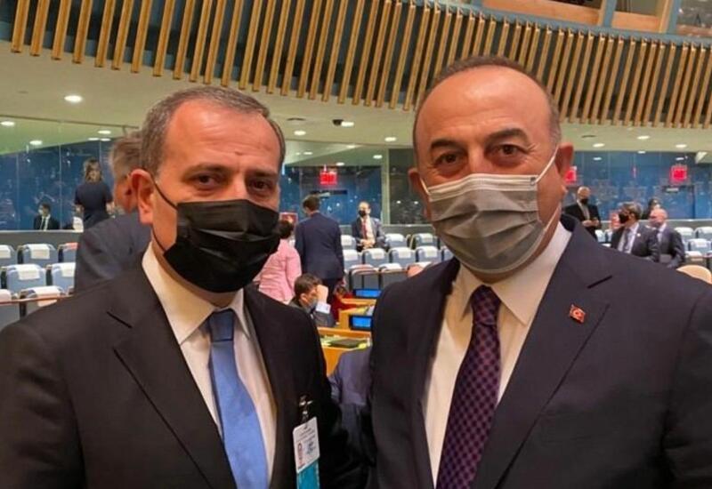 Джейхун Байрамов встретился в Нью-Йорке с турецким коллегой