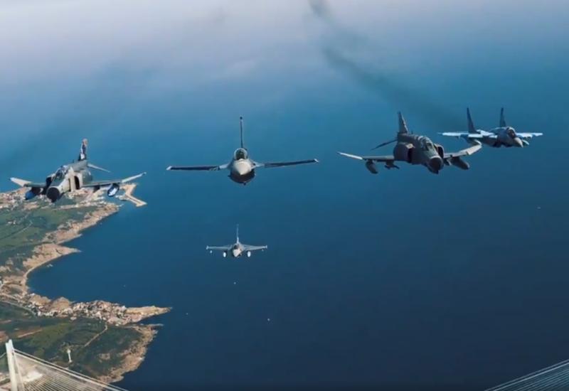 Новые кадры полетов азербайджанских и турецких истребителей