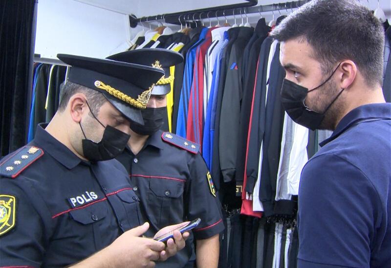 В Бакинском переходе продавцов оштрафовали за отсутствие масок