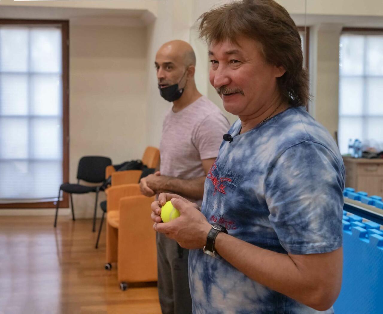 Известный российский актер и каскадер приехал в Баку