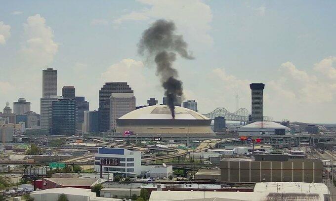 В Новом Орлеане загорелся стадион на 73 тыс. зрителей