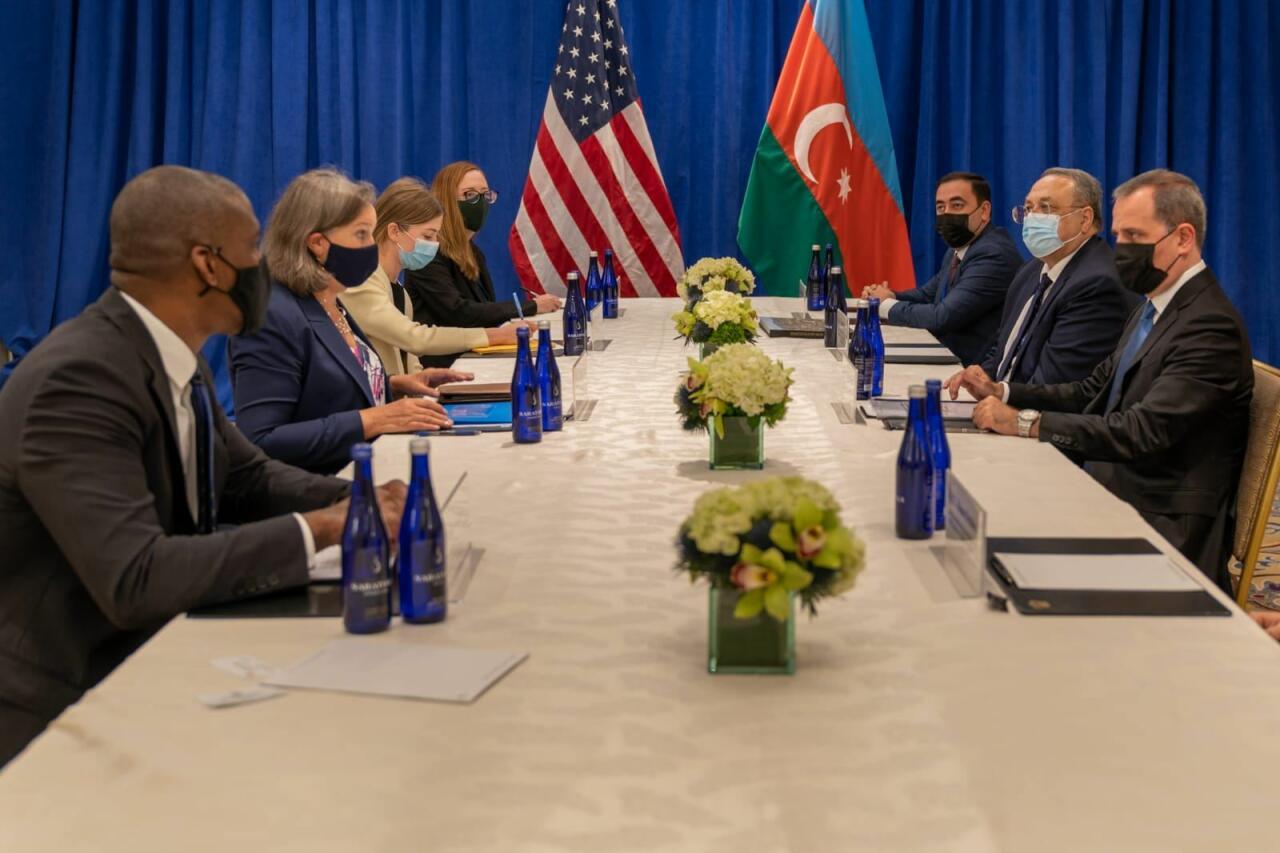 Джейхун Байрамов на переговорах с заместителем госсекретаря США по политическим вопросам