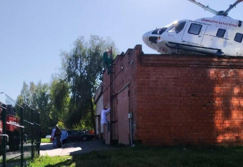 В России санитарный вертолет врезался в здание больницы