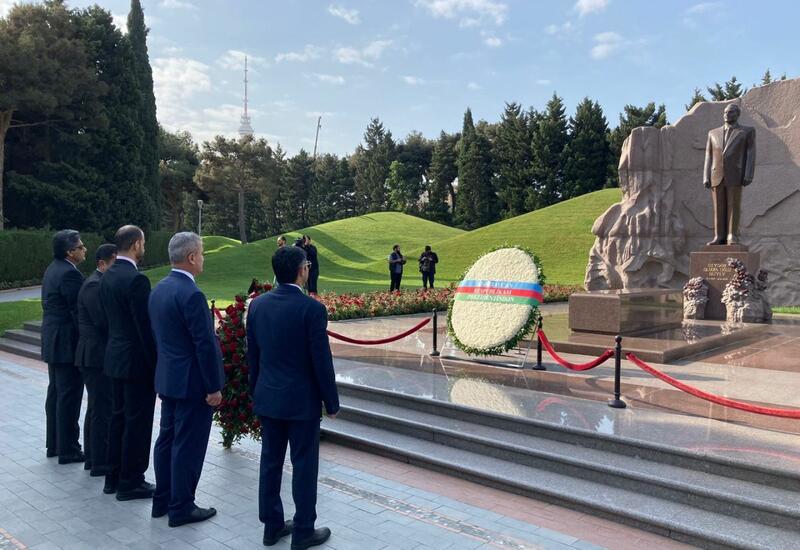 Международная делегация по расследованию армянских преступлений в Карабахе находится в Баку