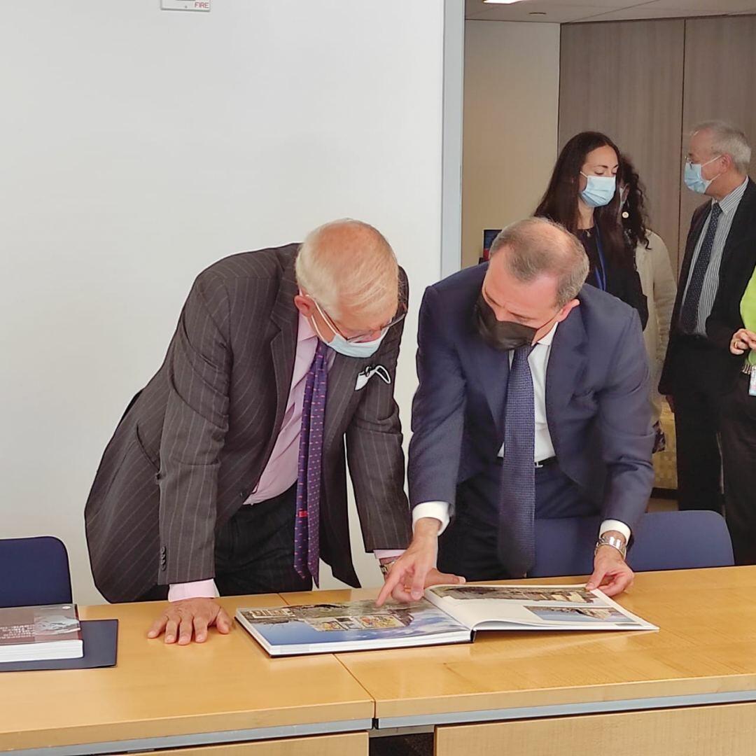 Джейхун Байрамов встретился с Верховным представителем ЕС по иностранным делам и политике безопасности