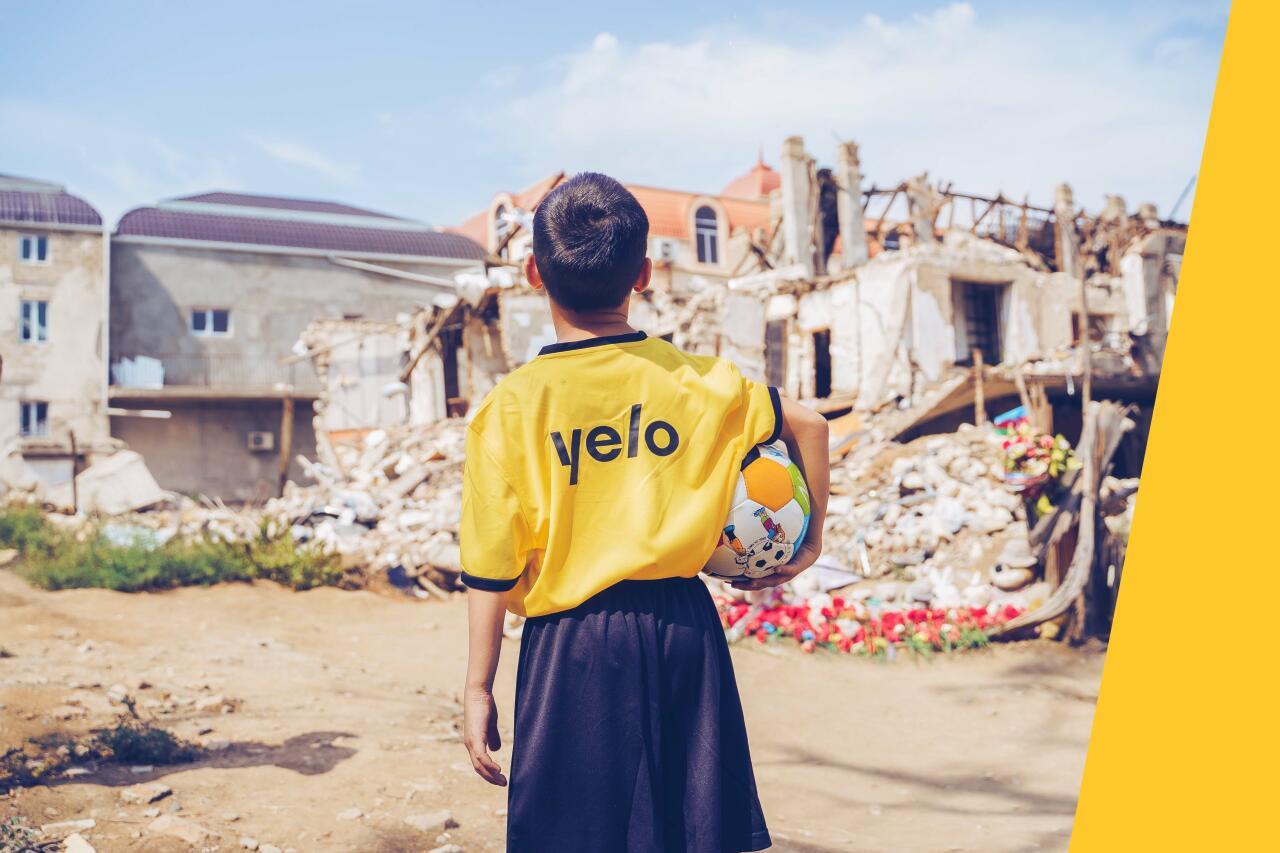 Yelo Bank поддержал школьников Гянджи