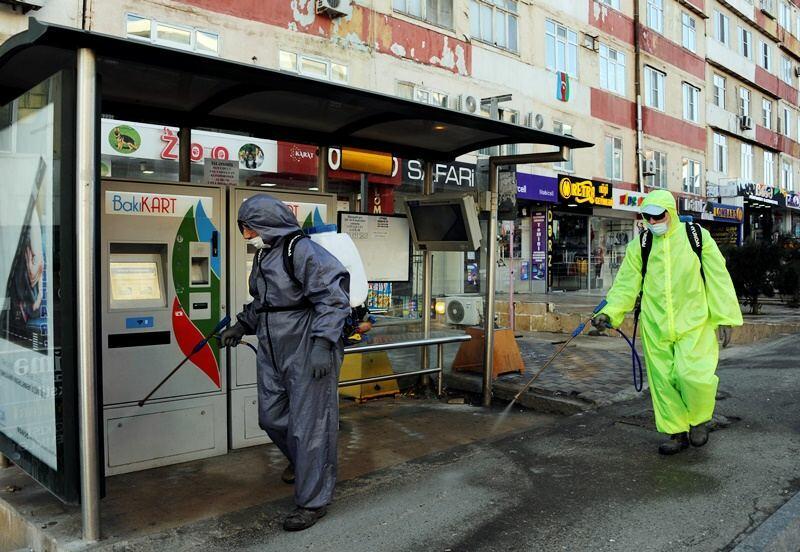 В Баку проводят очередную масштабную дезинфекцию