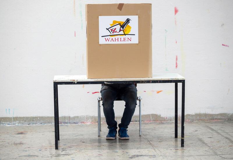 В Берлине на избирательных участках начали заканчиваться бюллетени