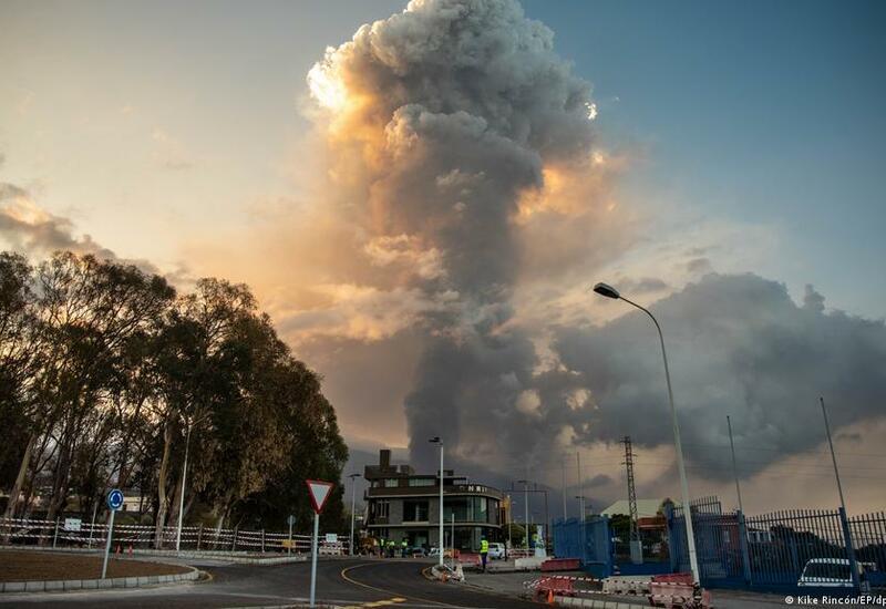 Аэропорт Пальмы, где извергается вулкан, снова работает