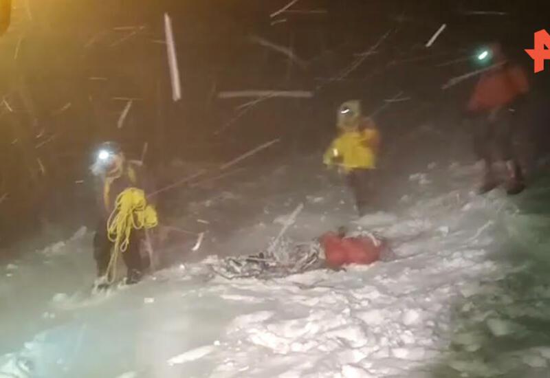 Спасатели выдвинулись в горы для эвакуации тел погибших на Эльбрусе