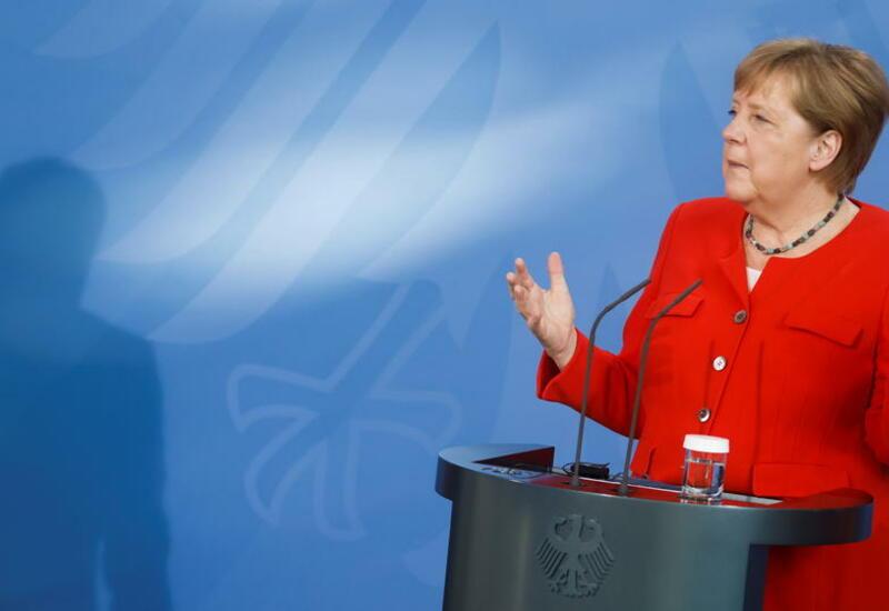 Партия Меркель показала худший результат в истории на выборах