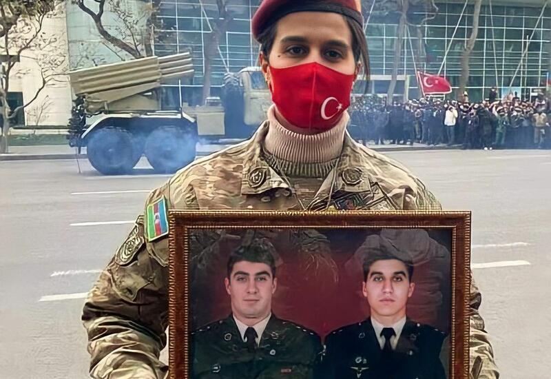 Я была очень тронута и взволнована, когда увидела, что в шествии плакат с фотографией моего мужа несет Президент Ильхам Алиев
