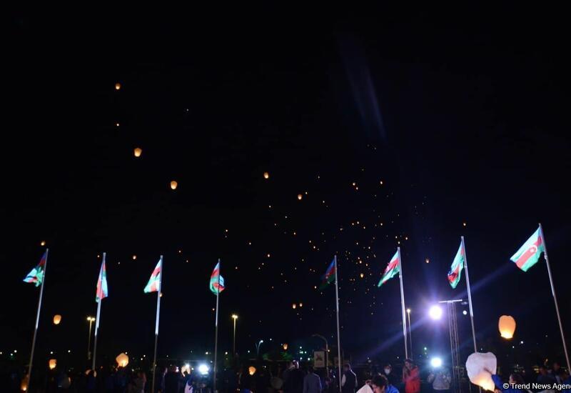 С территории Мемориального комплекса Отечественной войны в небо было запущено 3 тыс. небесных фонариков