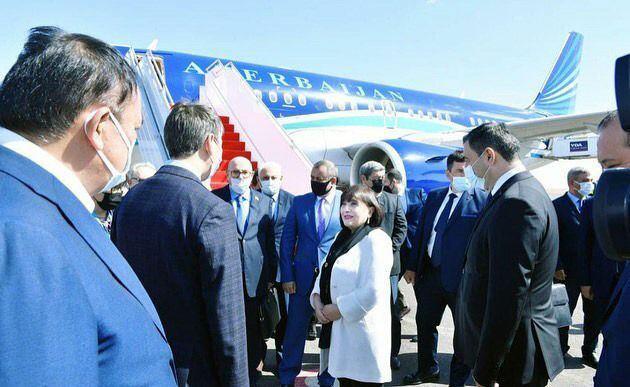 Сахиба Гафарова отправилась с визитом в Казахстан