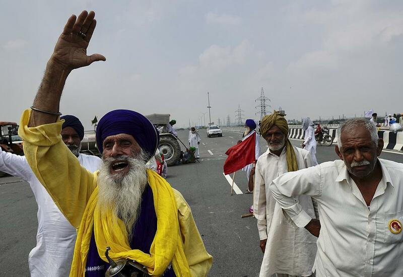 Индийские фермеры перекрыли дороги
