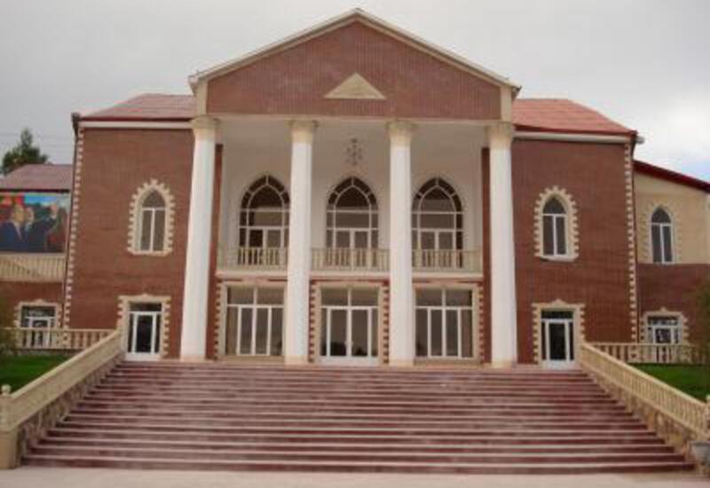 В Азербайджане оптимизируют деятельность культурных учреждений