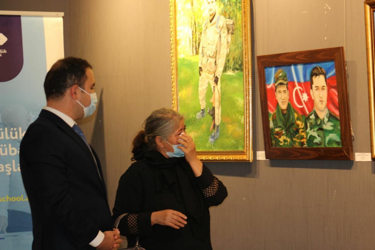 В Баку открылась художественная выставка, посвященная Дню памяти