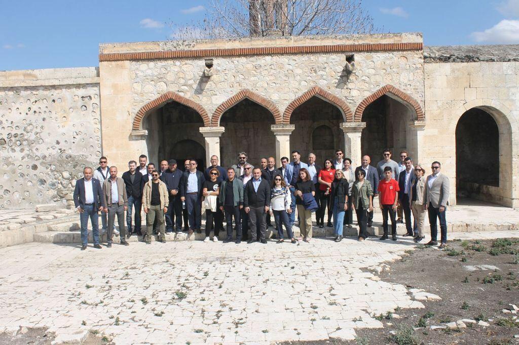 Фонд возрождения Карабаха организовал поездку в Агдам делегации Азербайджано-американской торговой палаты