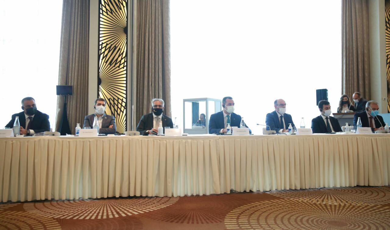 Азербайджан и Ирак расширяют сотрудничество в сфере бизнеса