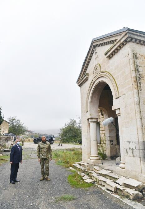 Президент Ильхам Алиев поднял флаг Азербайджана в селе Талыш Тертерского района