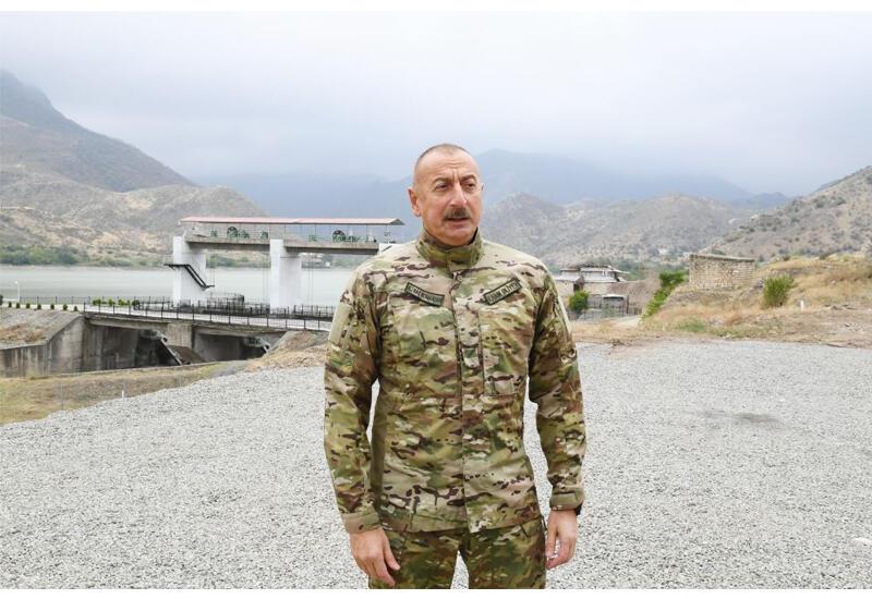 Президент Ильхам Алиев: До последних минут войны армянская армия находилась в страхе