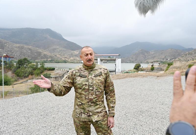 Президент Ильхам Алиев: В «метрике» Саргсяна написано Сержик, позже он переделал это на Саргсян Серж