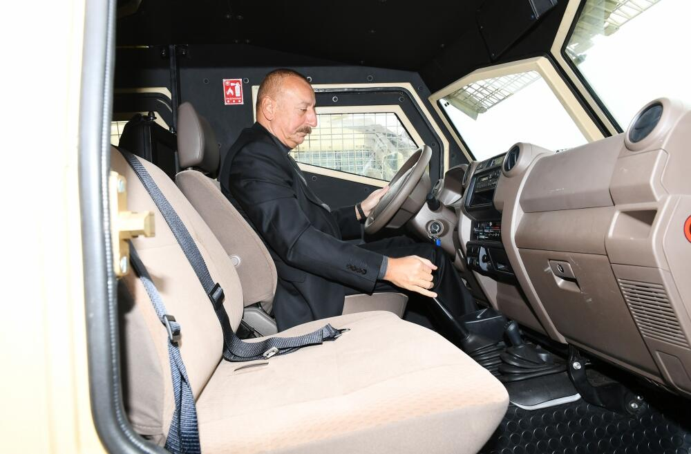 Президент Ильхам Алиев открыл в Джебраиле комплекс воинской части Государственной пограничной службы