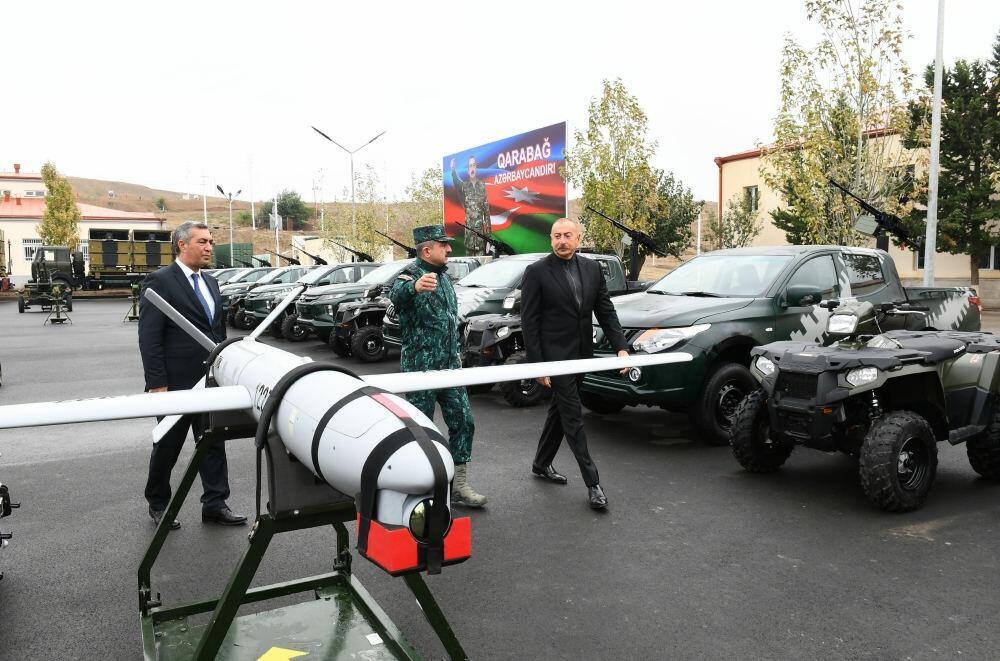 Знаменательные кадры: Президент Ильхам Алиев осмотрел БПЛА Harop в Джебраиле