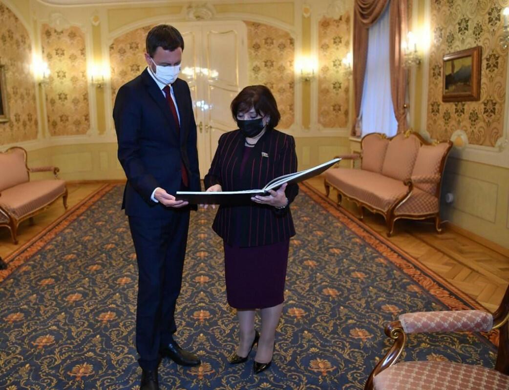 Сахиба Гафарова встретилась с премьер-министром Словакии