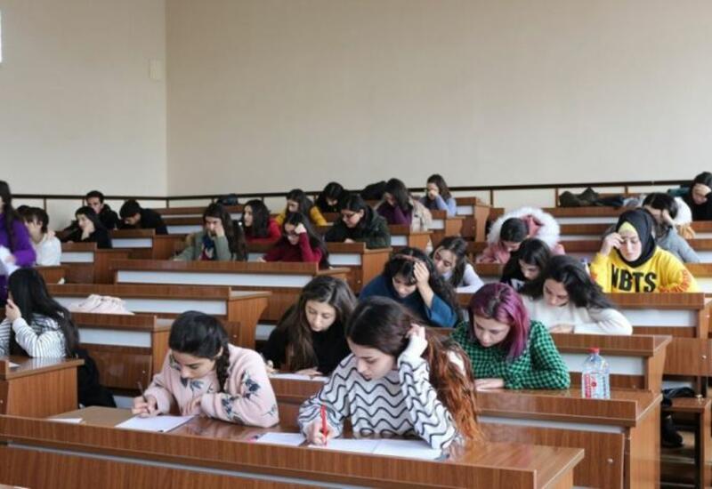 В Азербайджане ряду колледжей присвоен статус юридического лица публичного права
