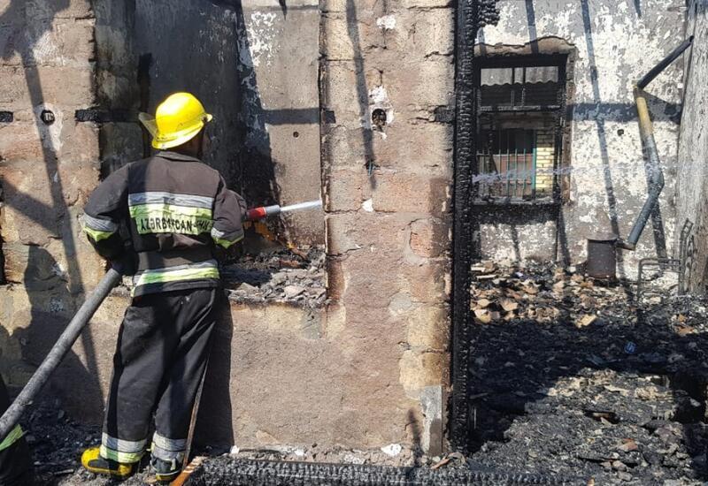 В Баку при пожаре умер шестилетний ребенок
