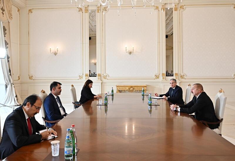 Президент Ильхам Алиев принял министра окружающей среды и градостроительства Турции
