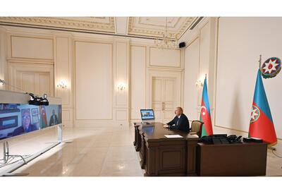 Президент Ильхам Алиев дал интервью итальянской газете La Repubblica - ФОТО