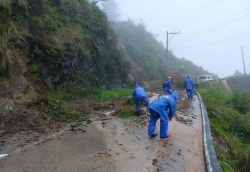 На Филиппинах тринадцать человек погибли из-за тропического шторма
