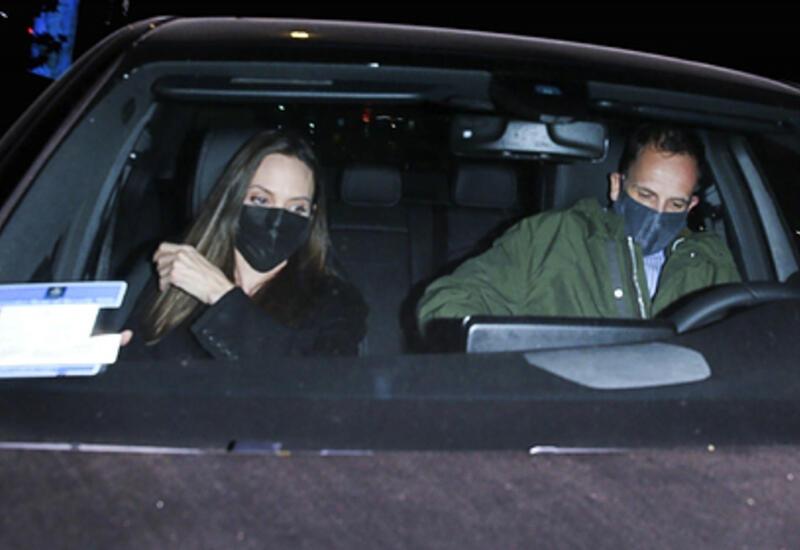 Анджелину Джоли заметили на ночном свидании с бывшим мужем