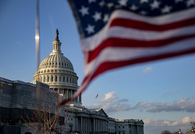 Палата представителей США одобрила временное повышение потолка госдолга
