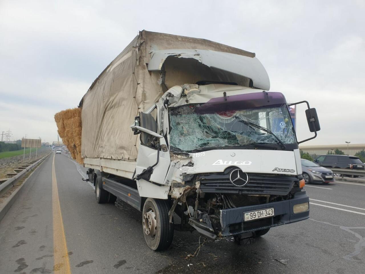 Задержан 19-летний водитель грузовика, столкнувшегося с автобусом в Баку