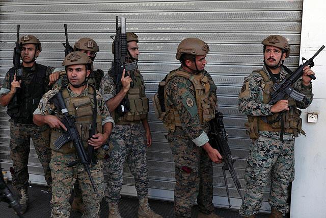 Массовые беспорядки в Бейруте: армия Ливана стянула бронетехнику к месту перестрелки