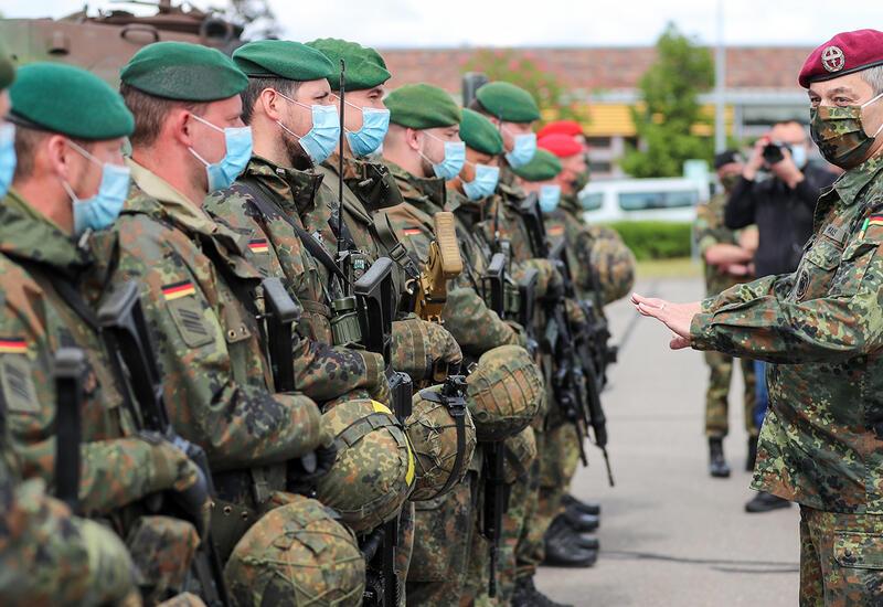 В почетном карауле Бундесвера выявлены правые радикалы