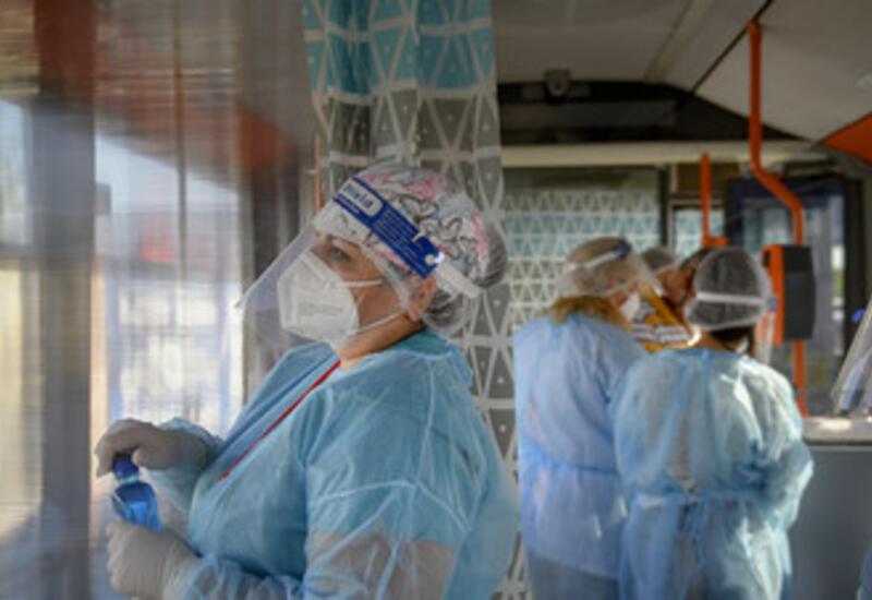Врачи Румынии объявили о перегрузке системы здравоохранения из-за COVID-19