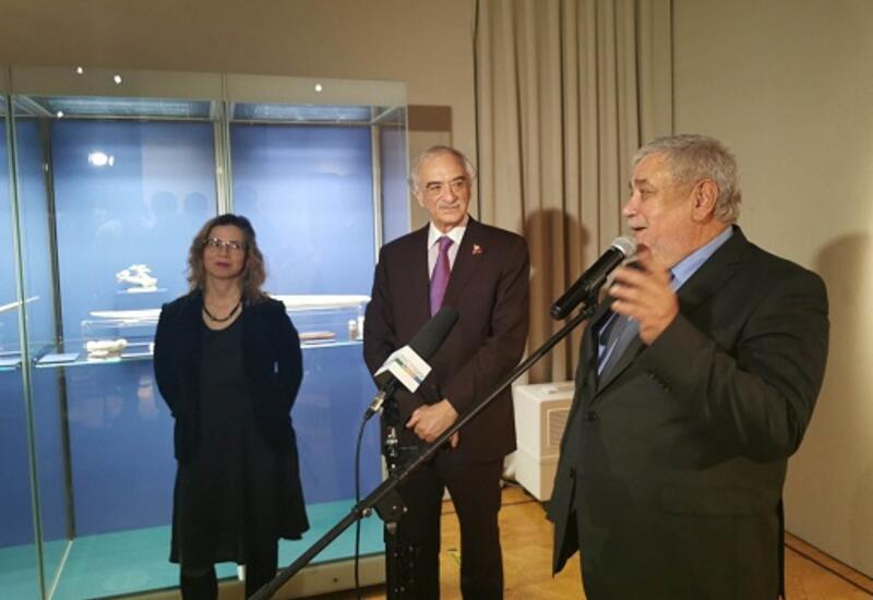 В Москве открылась выставка народного художника Фазиля Наджафова