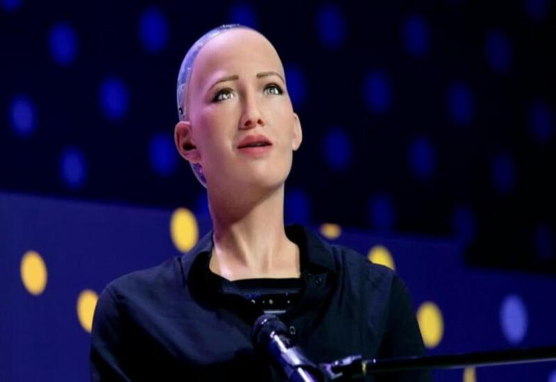 """""""Xanım robot"""" müsahibəsində elə həssas məqama toxundu ki..."""