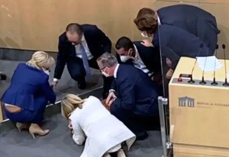 Deputat parlamentdə çıxışı zamanı huşunu itirdi